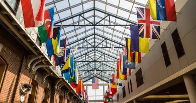 Loras Students Respond to ICE Announcement Regarding International Students